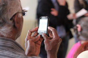 Kaufberatung: Handys und Smartphones für Senioren